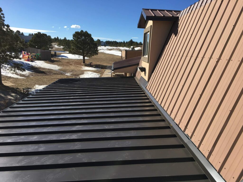 Metal Roofing Systems-Quality Metal Roofing Crew of Kendall