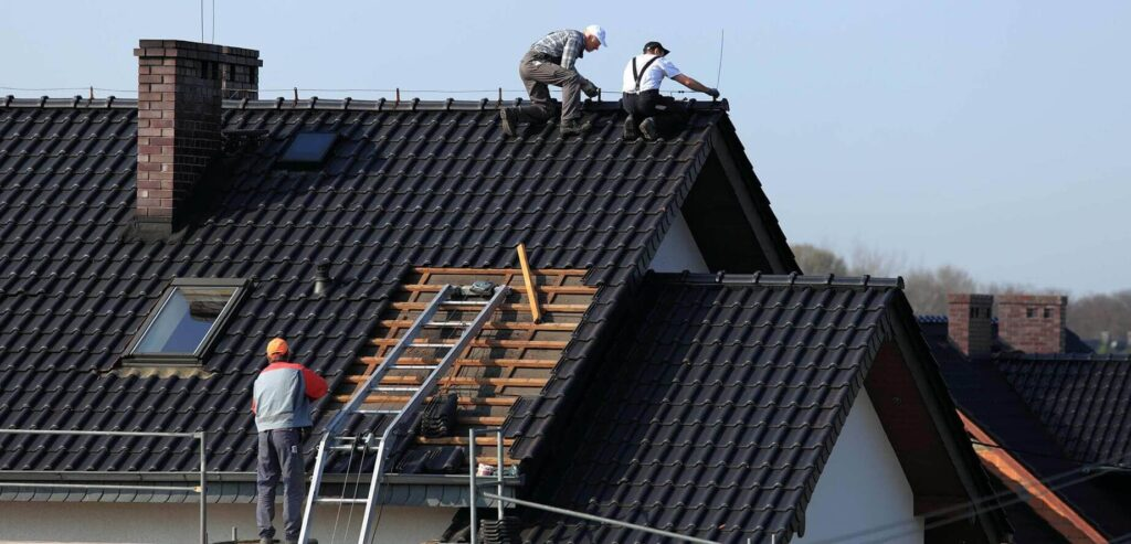 Residential Metal Roofing-Quality Metal Roofing Crew of Kendall